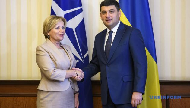 Украина интегрируется в ЕС демократически сильной страной - Гройсман