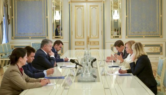 Порошенко встретился с председателем Парламентской Ассамблеи НАТО