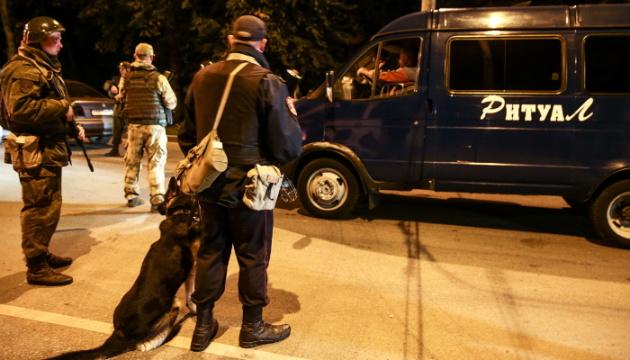 Кількість госпіталізованих після масового вбивства у Керчі зросла до 50