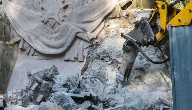 У Варшаві демонтують пам'ятник вдячності радянським солдатам