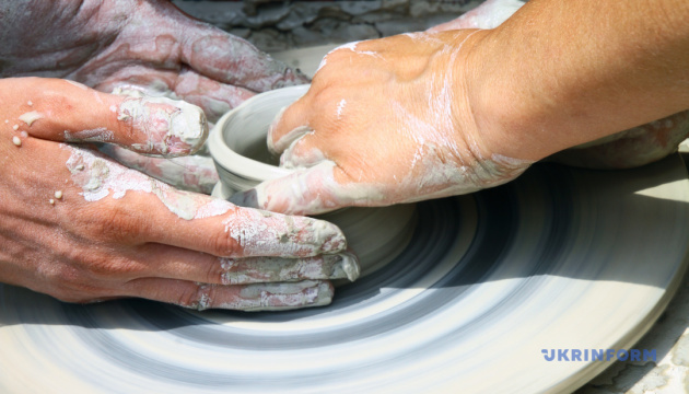乌日哥罗德的露天博物馆将举办首届陶器节