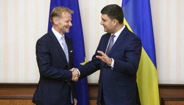 EIB-Vize-Präsident versichert Hrojsman Investitionen
