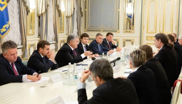 El presidente de Ucrania se reunió con la delegación de secretarios de Estado de Alemania