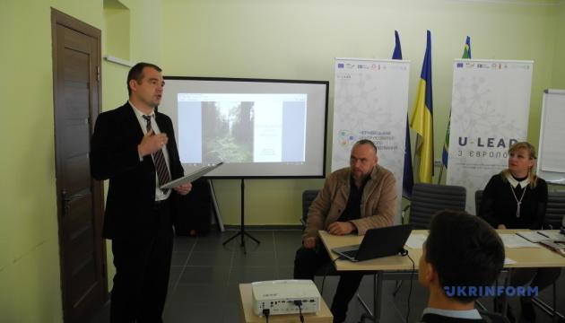 Зі студентської аудиторії – в ОТГ: у Чернівцях провели «Біржу вакансій»