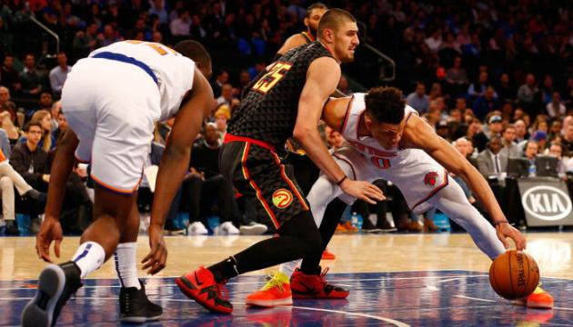 НБА: Лень набрав 9 очок за «Атланту» в матчі з «Мемфісом»