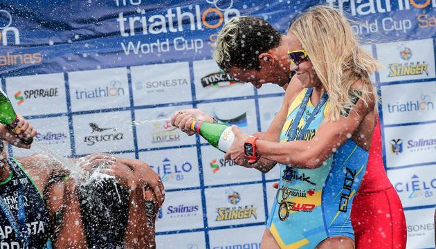 La ucraniana Yelistratova gana el oro en la Copa del Mundo de Triatlón en Salinas (Fotos)