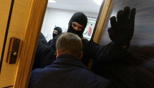 В Крыму проходят обыски на фирмах, связанных с