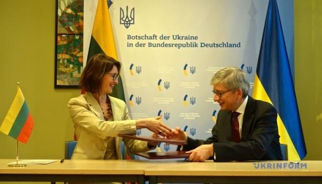 Ukrainian World Congress, Lithuanian World Community sign memorandum of understanding