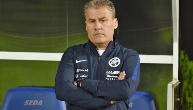 Новым главным тренером сборной Словакии по футболу стал Павел Гапал