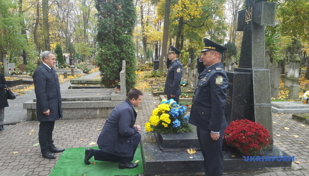 Ukraine's Foreign Minister Klimkin starts his visit to Warsaw. Photos, video