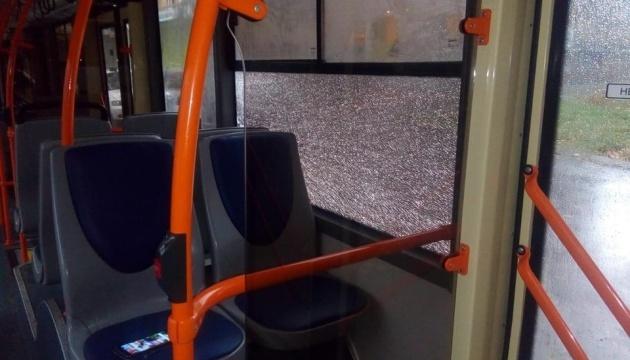 У Дніпрі обстріляли два тролейбуси та маршрутку