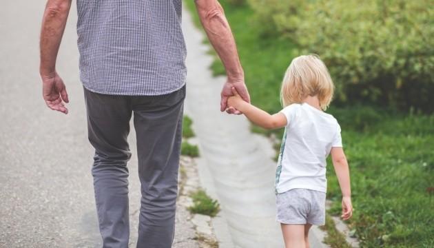 В Україні хочуть запровадити звання «Батько-герой»