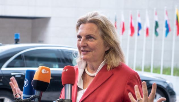 Танцы Путину не помогли: глава МИД Австрии - против снятия санкций с России
