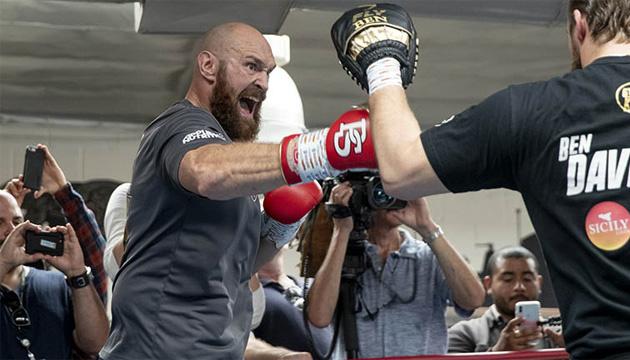 Британський боксер Ф'юрі може піти на пенсію після бою з Вайлдером