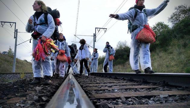 В Германии активисты-антиугольщики блокировали железнодорожные пути