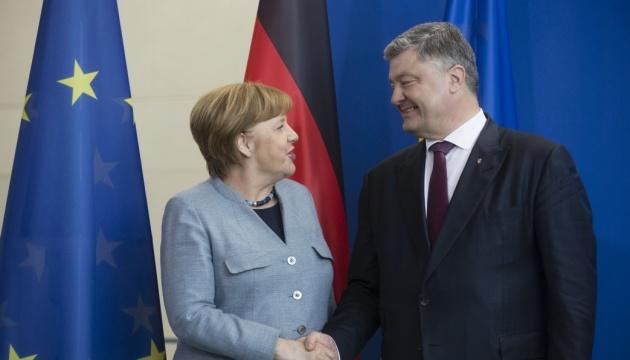 Poroshenko mantendrá conversaciones con Merkel