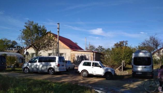 ФСБ снова обыскивает крымских татар - изымает ценные вещи и документы