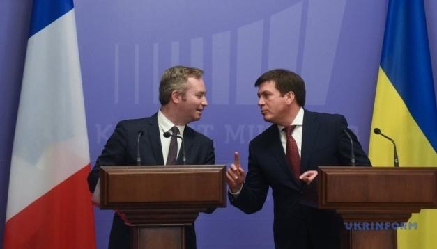 G7: Frankreich will die Ukraine während seines Vorsitzes unterstützen