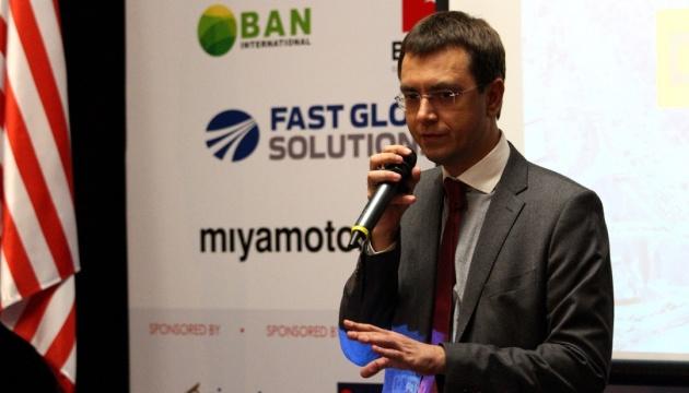 Украина планирует создать конкурентный транспортный рынок - Омелян