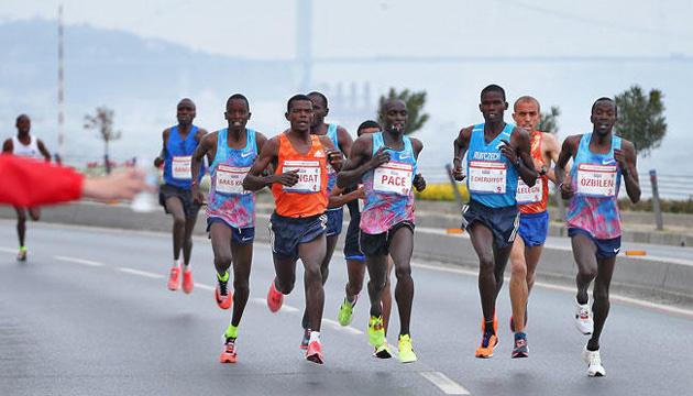 Стамбул проведе марафон із рекордною кількістю учасників