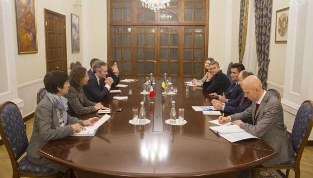 Klimkin y Lemoyne coordinan la cooperación dentro de la presidencia francesa del G7 en 2019