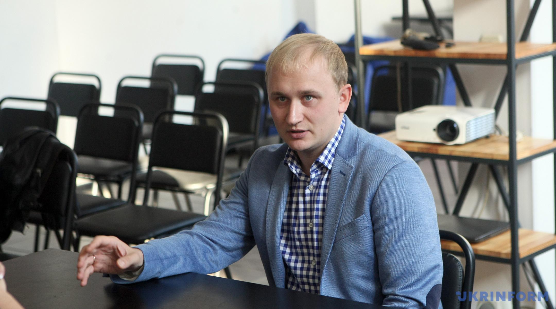 Антон Мартинов