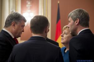 Drei Events auf der Welt. Mächtige Merkel, Dublee in Türkei und doppelbödige Sanktionen