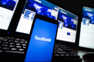 Facebook видалив 512 пропагандистських сторінок росіян