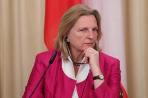 Глава МЗС Австрії виключає війну з Іраном
