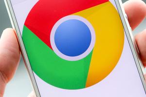 """Google """"сворачивает"""" платные расширения в веб-магазине Chrome"""