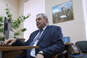 Пока мерилом успеха будут «тачки» и «дачки», социальные лифты не будут работать - Маринович