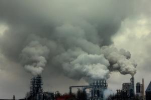 Китай за обсягом шкідливих викидів випередив усі розвинені країни вкупі