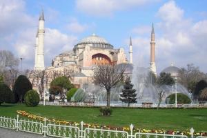 Метро Стамбула оборудуют сканерами температуры