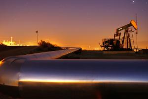 Нефть подешевела на фоне приближения добычи в США к новому рекорду