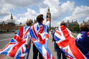 """Британцы больше поддерживают """"жесткий"""" Brexit, чем его отсрочку"""