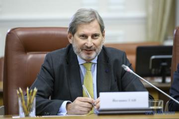 Johannes Hahn est déçu par le non-respect du contrat « Réformes pour  investissements »