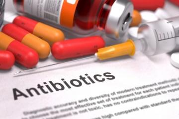 Зловживання антибіотиками серйозно шкодить зубам