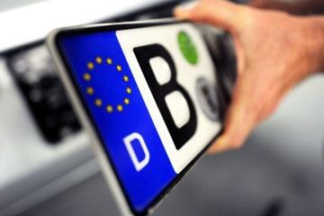Українці вже розмитнили 6,5 тисяч автомобілів з єврономерами