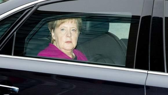 Меркель не підтримала ідею США провести маневри біля Криму — Bloomberg