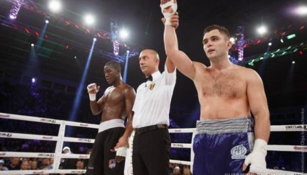 Бокс: украинец Митрофанов  выступит в андеркарте боя Усик - Беллью