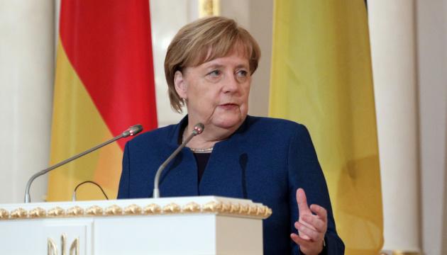 Merkel declara que los acuerdos de Minsk son el único mecanismo para lograr la paz en el este de Ucrania