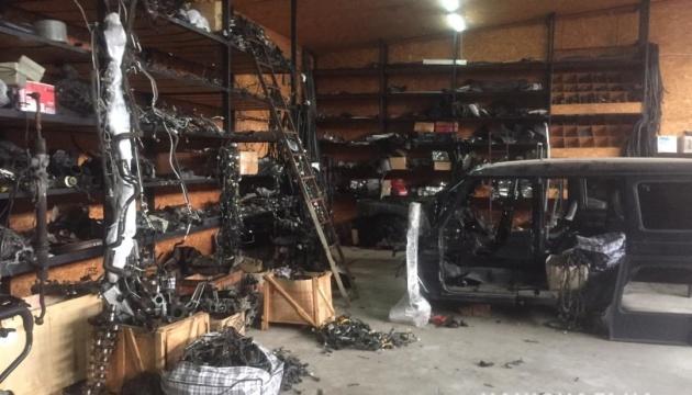 Поліція затримала групу серійних викрадачів авто у Києві та області