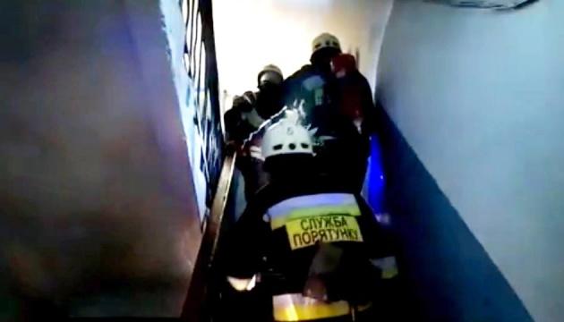 В Днипре ночью горела пятиэтажка, трое погибших