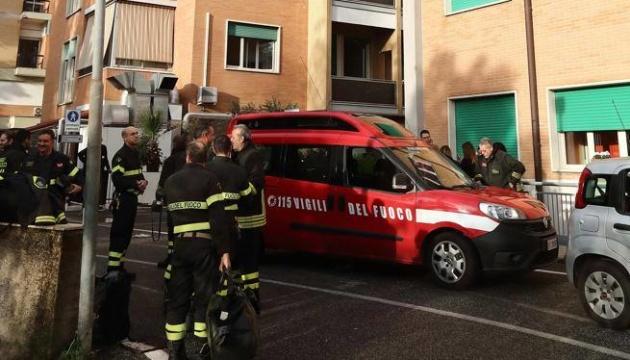 В Риме из больницы из-за пожара эвакуируют около 400 человек