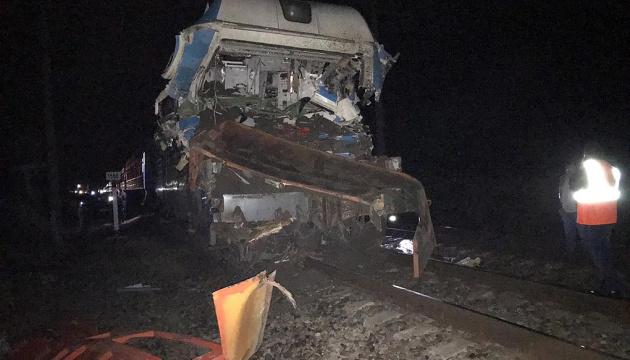 На Кубани поезд столкнулся с грузовиком, среди пострадавших гражданин Украины