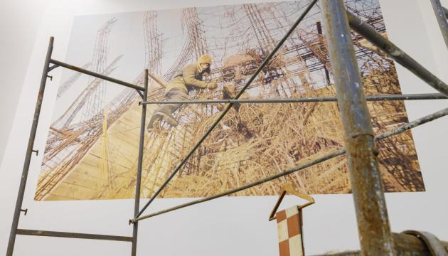 """Политическое или интимное? Украинские художницы показали """"Свое пространство"""" в PinchukArtCentre"""