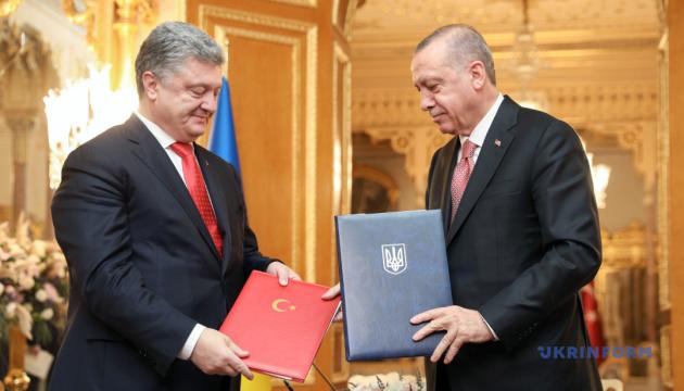 Порошенко уверяет, что Эрдоган не вмешивался в процесс предоставления Томоса