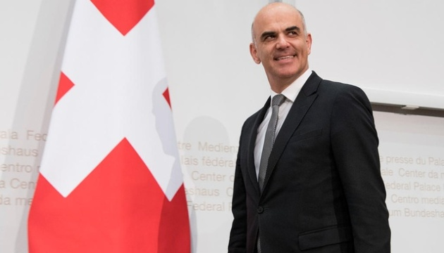 Главу Минздрава Швейцарии подозревают в сокрытии важной информации о пандемии