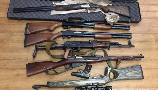В Донецкой области за месяц сдали более 300 единиц оружия