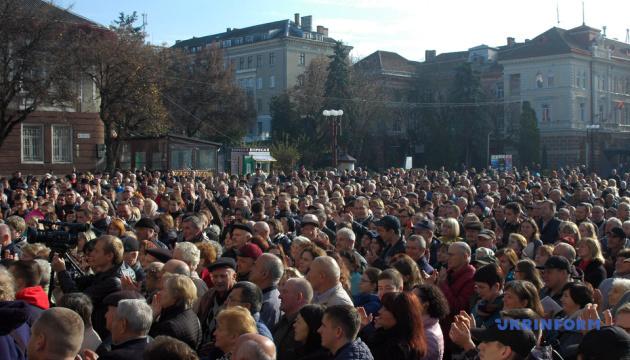 Понад п'ять тисяч мешканців Тернополя вийшли на вулиці через вартість проїзду